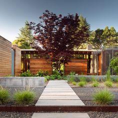 Bohlin Cywinski Jackson creates Silicon Valley residence with pool and meditation garden