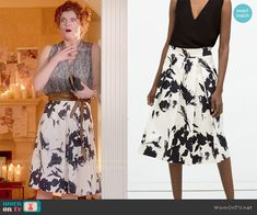 Evelyn's black and white floral skirt on Devious Maids.  Outfit Details: http://wornontv.net/50412/ #DeviousMaids