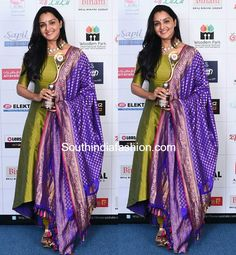 Manju Warrier in Pranaah – South India Fashion Salwar Designs, Kurti Designs Party Wear, Saree Blouse Designs, Blouse Patterns, Indian Designer Outfits, Indian Outfits, Churidhar Designs, Heavy Dupatta, Indie Mode