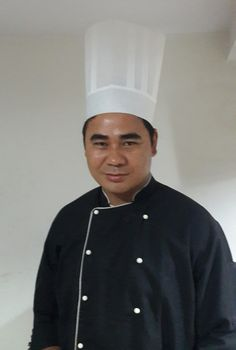 Meet Chef Neeraj from Ginseng at Royal Orchid - http://explo.in/2jV87h5 #Bangalore, #Explocity, #Ginseng, #MeetTheChef, #RoyalOrchid #5Star, #Bangalore, #Restaurants