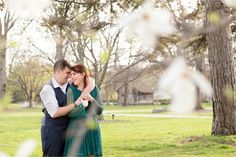 UT University of Toledo and Botanical Gardens Engagement Session by Toledo Based Wedding Photographers Kent & Stephanie Photography_0076
