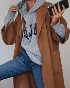 35 Winter Casual Outfit Fashion Trends And Styles for 2020 casual outfits, winter outfits, outfit ideas, casual outfits for winter, winter outfit fashion Casual Winter Outfits, Winter Fashion Outfits, Look Fashion, Autumn Winter Fashion, Trendy Outfits, Fall Outfits, Fashion Ideas, Winter Ootd, Autumn Casual