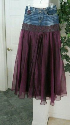 DIY Fashion Ideas for Teens Chloé jean skirt.---forget cut off shorts, way to upcycle torn jeans! Wouldn't this be a fun prom dress idea just layer with lots of toule--Chloé jean skirt.---forget cut off shorts, way to upcycle torn jeans! ---forget cut o Purple Satin, Satin Tulle, Dark Purple, Torn Jeans, Jeans Rock, Denim Jeans, Holey Jeans, Denim Overalls, Upcycled Clothing