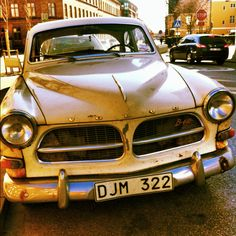 Volvo Amazons♥ LOOOVE this car.