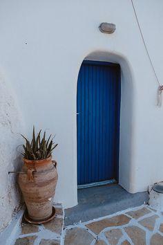 Magdalene Kourti - Travel photography: Anafi, Greece Greece, Planter Pots, Travel Photography, Greece Country, Travel Photos