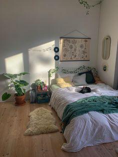Room Design Bedroom, Modern Bedroom Design, Room Ideas Bedroom, Bedroom Decor, Indie Room Decor, Aesthetic Room Decor, Sage Green Bedroom, Cozy Room, Dream Rooms