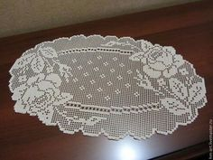 This Pin was discovered by Kar Crochet Table Runner Pattern, Crochet Placemats, Crochet Doily Diagram, Crochet Doily Patterns, Thread Crochet, Crochet Doilies, Knit Crochet, Crochet Hats, Baby Knitting Patterns