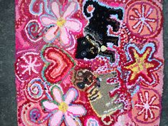 Monty and Reg hand hooked rug Lizzie Reakes Hand Hooked Rugs, Textiles Techniques, Rug Ideas, Textile Artists, Rug Hooking, Applique, Scrappy Quilts