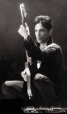 Post Ur Prince Pictures Part 9 Prince Meme, Prince Paisley Park, Prince And Mayte, Prince Images, The Artist Prince, Prince Purple Rain, Handsome Prince, King Of Music, Roger Nelson