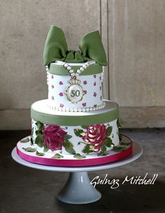 """Painted hat box cake """"Evelyn"""" - Cake by Gulnaz Mitchell"""