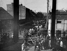 The Kovno Ghetto www.HolocaustResearchProject.org