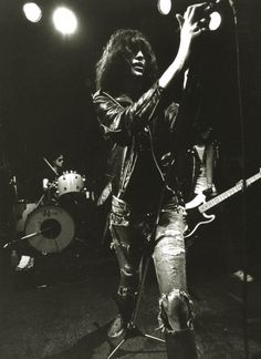 Joey Ramone of The Ramones Joey Ramone, Ramones, Punk Rock, Good Music, My Music, Music Stuff, Beatles, El Rock And Roll, Band Photography