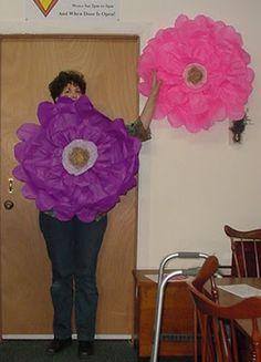 super large tissue flower tutorial.  Also large tissue paper pom pom how to