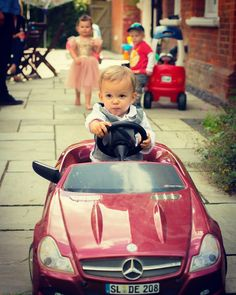"""""""They see me rollin.. #sacconejolys"""""""