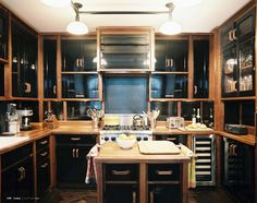 Come to the Dark Side: Black Kitchens