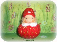 Erdbeere / Wichtel  / Jahreszeitentisch von Susannelfes Blumenkinder  auf DaWanda.com