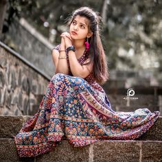 Stylish Photo Pose, Stylish Girls Photos, Stylish Girl Pic, Cute Girl Poses, Cute Girl Photo, Girl Photo Poses, Beautiful Girl Photo, Beautiful Girl Image, Beautiful Girl Indian