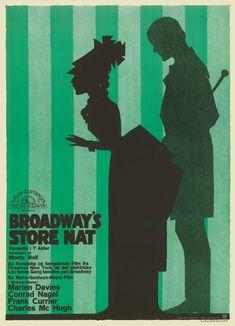 UHYRE SJÆLDEN OG UARTIG BRASCH Plakatkunstneren Sven Brasch har tegnet den grøn-stribede og lidt uartige filmplakat til den amerikanske stumfilm Broadways Store Nat, der havde dansk premiere i 1927. Plakaten er ekstremt sjælden. Af det samlede oplag på 3-500 stk. findes kun enkelte eksemplarer bevaret i dag, formentlig kun 2-3 stykker.  Nu genoptrykt. Købes hos DanskPlakatkunst.dk DKK 1.295 incl. ramme og forsendelse