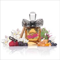 Gift your loved ones the exquisite and wonderfully scented combination of two perfumes and a body cream. Our eau de parfum Oz gift set is something to say Viva Gold for! Pink Perfume, Perfume Scents, Best Perfume, Perfume Store, Perfume Bottles, Dolce And Gabbana Perfume, Couture Perfume, How To Melt Caramel, Jars