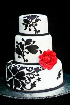 Damask Wedding Cake by casa de cupcake, via Flickr