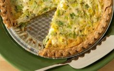 Goat Cheese and Leek Quiche // Have a happy brunch! #yellow #spring #recipe