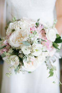 #laurelwooddesigns #weddingflorist #florist #gardenchic #gardenstylebouquet #bouquet #bridalbouquet #weddings #wedding #weddingwire #theknot #201 #201bride #Laurelwood #nj #njflorist #chic #garden #chicstyle