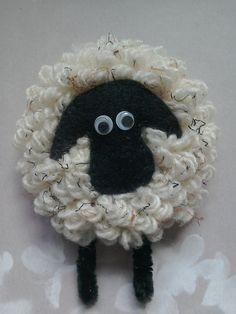 Sheep brooch, sheep lovers brooch, animal brooch, felt brooch, wool brooch, gift for her, mother's day gift, animal lovers brooch, by TheCraftingGardener on Etsy