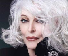 Carmen Dell'Orefice, the world's oldest model at 80 years of age ... cheekbones to die for