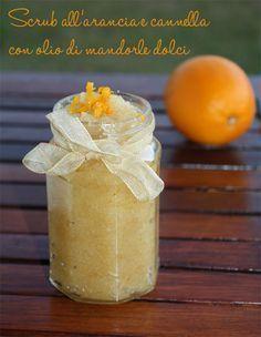 Scrub all'arancia e cannella con olio di mandorle dolci