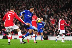 Chelsea go five points clear of United with a ruthless win at Arsenal.