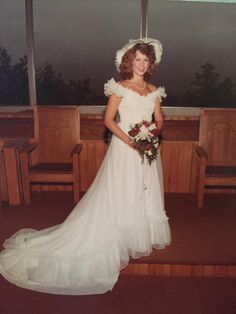 Color Snapshots of Beautiful Brides in the ~ vintage everyday 1980s Style Wedding Dresses, Types Of Wedding Gowns, Wedding Dresses Photos, Bridal Dresses, Flower Girl Dresses, 1960s Wedding, Wedding Pictures, Fairytale Gown, Vintage Bridal