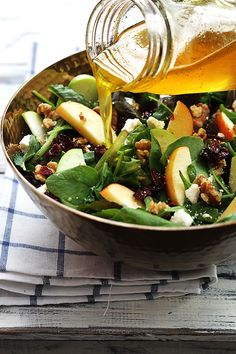 apple-cranberry-walnut-salad-in 12 Creative Ways to Eat Wisconsin Cranberries [Recipes] Salad Recipes Video, Healthy Salad Recipes, Delicious Recipes, Thanksgiving Side Dishes, Thanksgiving Recipes, Thanksgiving Salad, Cranberry Walnut Salad, Cranberry Juice, Plats Healthy