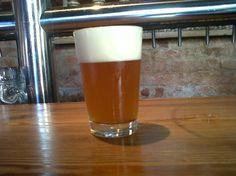 Cerveja Amburana Saison, estilo Saison / Farmhouse, produzida por Stillwater Artisanal Ales, Brasil. 5% ABV de álcool.
