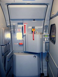 The operation of the door In a house versus an airplane cabin door - travel Flight Attendant Quotes, Communication, Cabin Pressure, Cabin Doors, Aircraft Interiors, Commercial Aircraft, Door Hinges, Air Travel, Innovation Design
