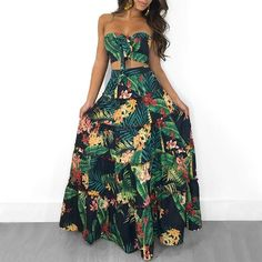 Hawaii Bandeau Strapless Crop Top Skirt Two Piece Floral Printed Matching Set Trend Fashion, Fashion Outfits, Fashion Usa, Womens Fashion, Style Fashion, Fashion Online, Feminine Fashion, Floral Fashion, Fashion Stores