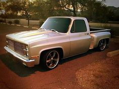 Love this truck! Chevy Stepside, C10 Chevy Truck, C10 Trucks, Chevy Pickups, Chevrolet Trucks, Rims For Cars, Hot Cars, Lo Rider, Sport Truck