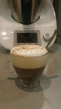 Espuma de leche Thermomix My Recipes, Sweet Recipes, Favorite Recipes, Bread Machine Recipes, Frappe, Coffee Love, Chocolate, Tapas, Sweet Tooth