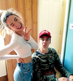 Shared by s. Find images and videos about babies, zoe sugg and joe sugg on We Heart It - the app to get lost in what you love. Joe Sugg, Joe And Zoe Sugg, Markiplier, Pewdiepie, Caspar Lee, Buttercream Squad, Sugg Life, British Youtubers, Vlog Squad