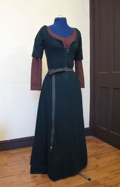 My over kirtle with under kirtle.
