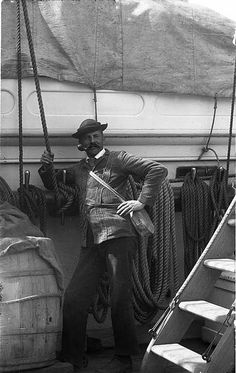 USS Ranger 1890s Now that's what I call a pose! www.eacarey.co.uk #pipes #pipesmoking #ussranger