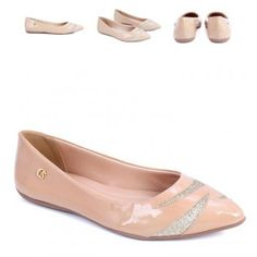 Simple nude flat, but very nice details and texture..