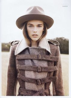 belted wool coat~perfect for fall Grey Fashion, Fashion Beauty, Fashion Outfits, Tweed Run, Fashion Prints, Fashion Design, Cute Jackets, Alternative Fashion, Fashion Pictures