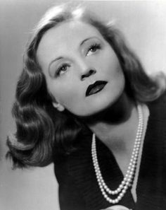 Tallulah Bankhead photographed in the late 1930s or early 1940s.