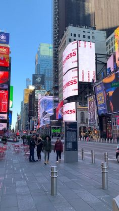 New York Travel Guide, New York City Travel, New York Life, Nyc Life, Photographie New York, New York Weihnachten, New York City Christmas, New York Wallpaper, Times Square New York