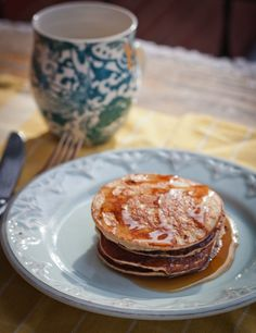 Peanut Flour Protein Pancakes with only 6 ingredients. Healthy, peanut flavored and packed with protein!