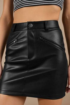 Cheap Tight Dresses for Juniors Black Leather Shorts, Faux Leather Skirt, Leather Mini Skirts, Black Faux Leather, Trendy Fall Outfits, Cool Outfits, Tight Dresses, Tight Skirts, Red Mini Skirt