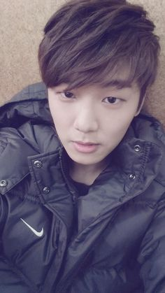 Good nite selca by Min Hyuk