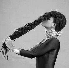 Makes me think of my girl, Alexis. Tgose locs though...