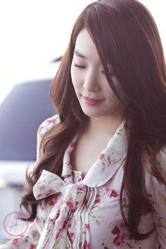 SNSD Tiffany Hwang airport fashion may 2014