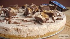 Ricetta della golosissima torta Snickers.